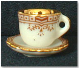 Brown Titanic Tea Cup by A WOMAN´S TOUCH