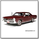 Highway 61 - 1966 Pontiac GTO Hard Top. 1:18 scale diecast collectible model car by TOY WONDERS INC.