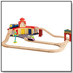 Chuggington Wooden Railway Trainee Roundhouse Set by LEARNING CURVE